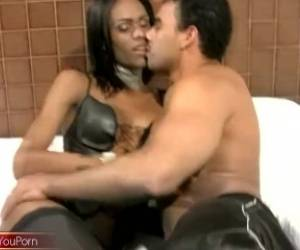 Leaked FULL Movie Of Black Tranny Deepthroat And Deep Anal