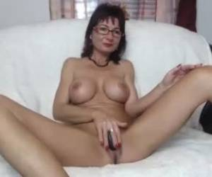 Amateur Kathylovexxx Flashing Ass On Live Webcam Webcam Girl Kathylovexxx